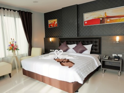 Kvalitní manželská postel